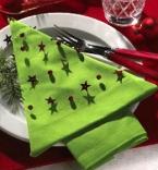 Коледна украса - салфетка във формата на елха